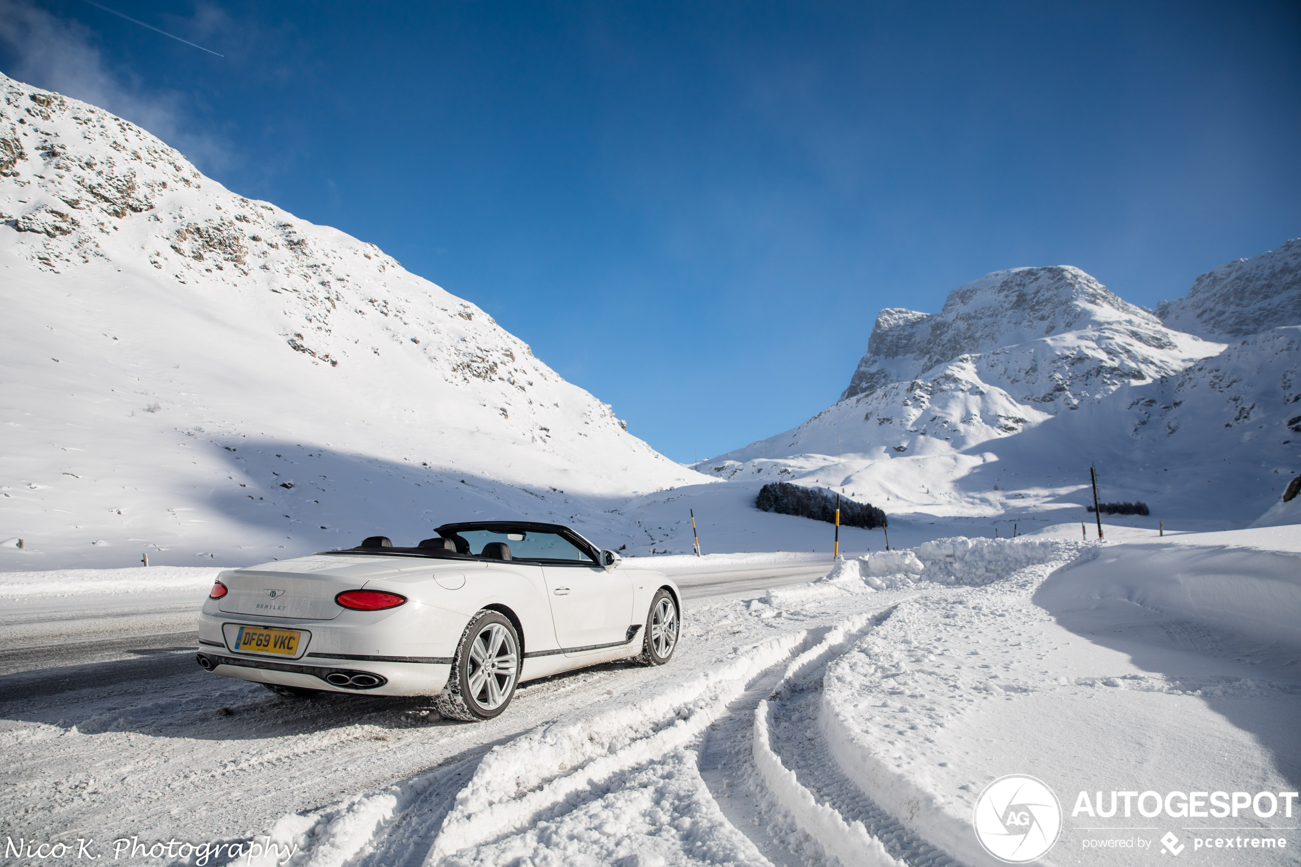 Bentley Continental GTC laat de prachtige besneeuwde Julierpas zien