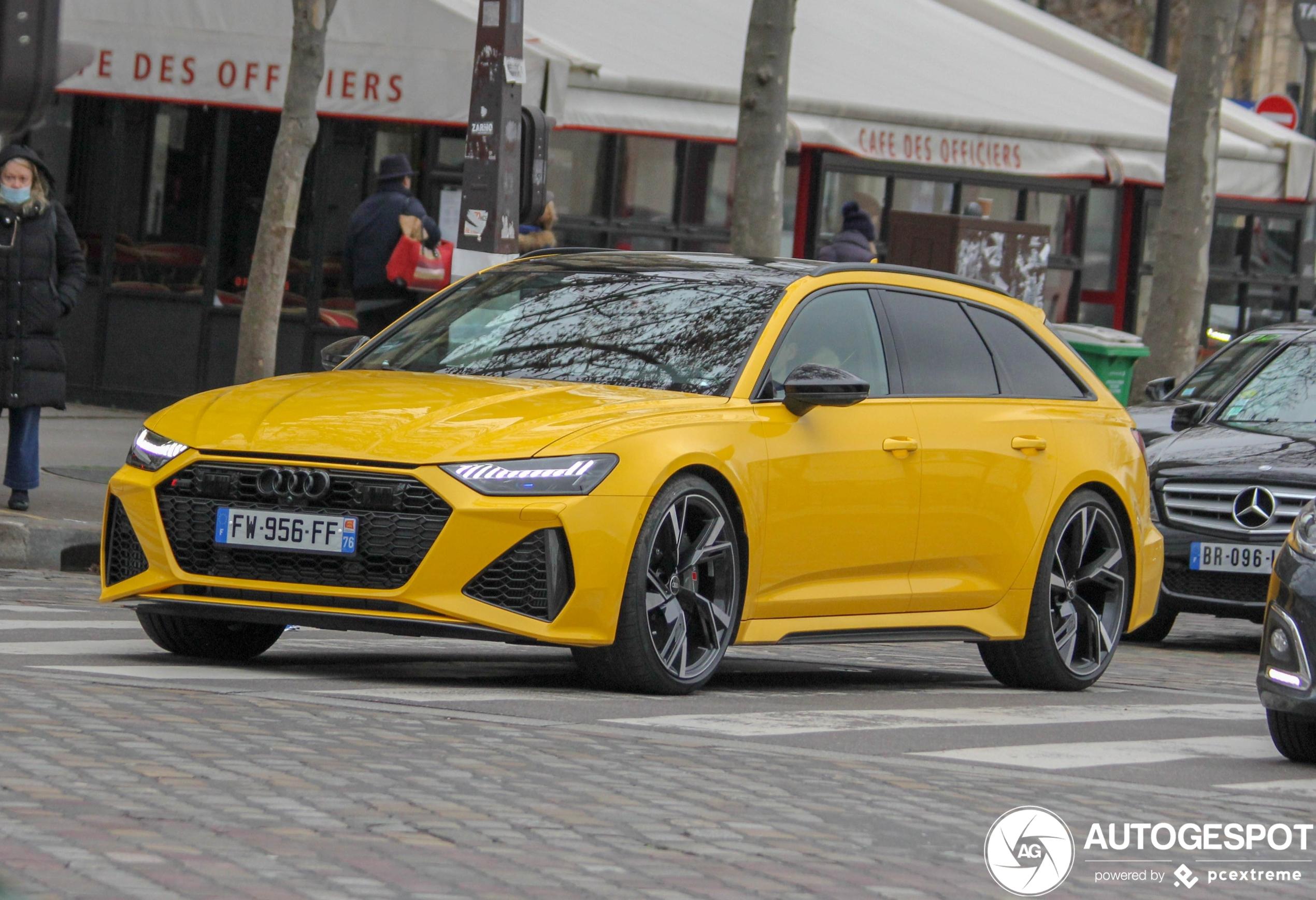 Geel misstaat de Audi RS6 Avant C8 niet