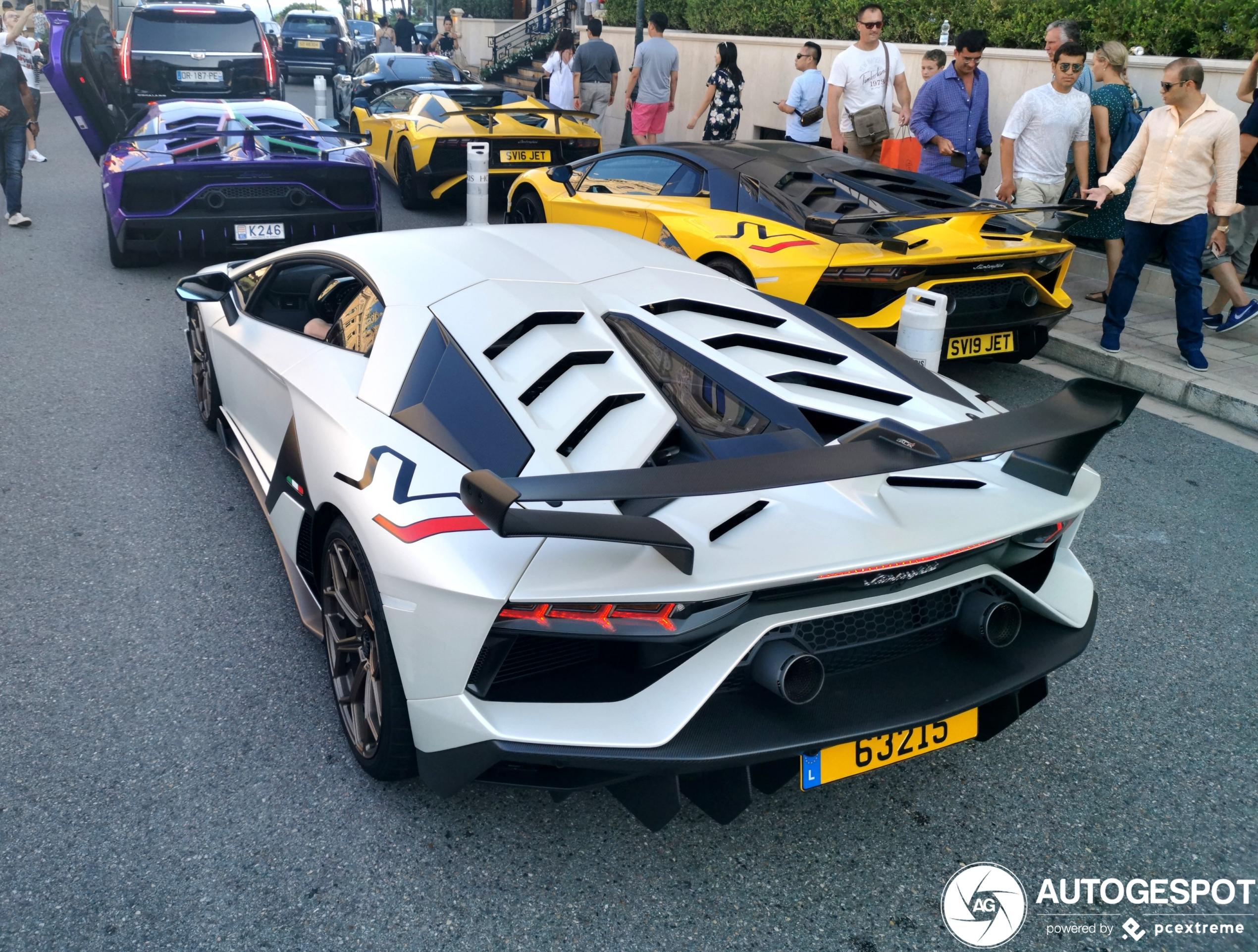 Lamborghini Aventador SVJ combo doet ons verlangen naar de zomer