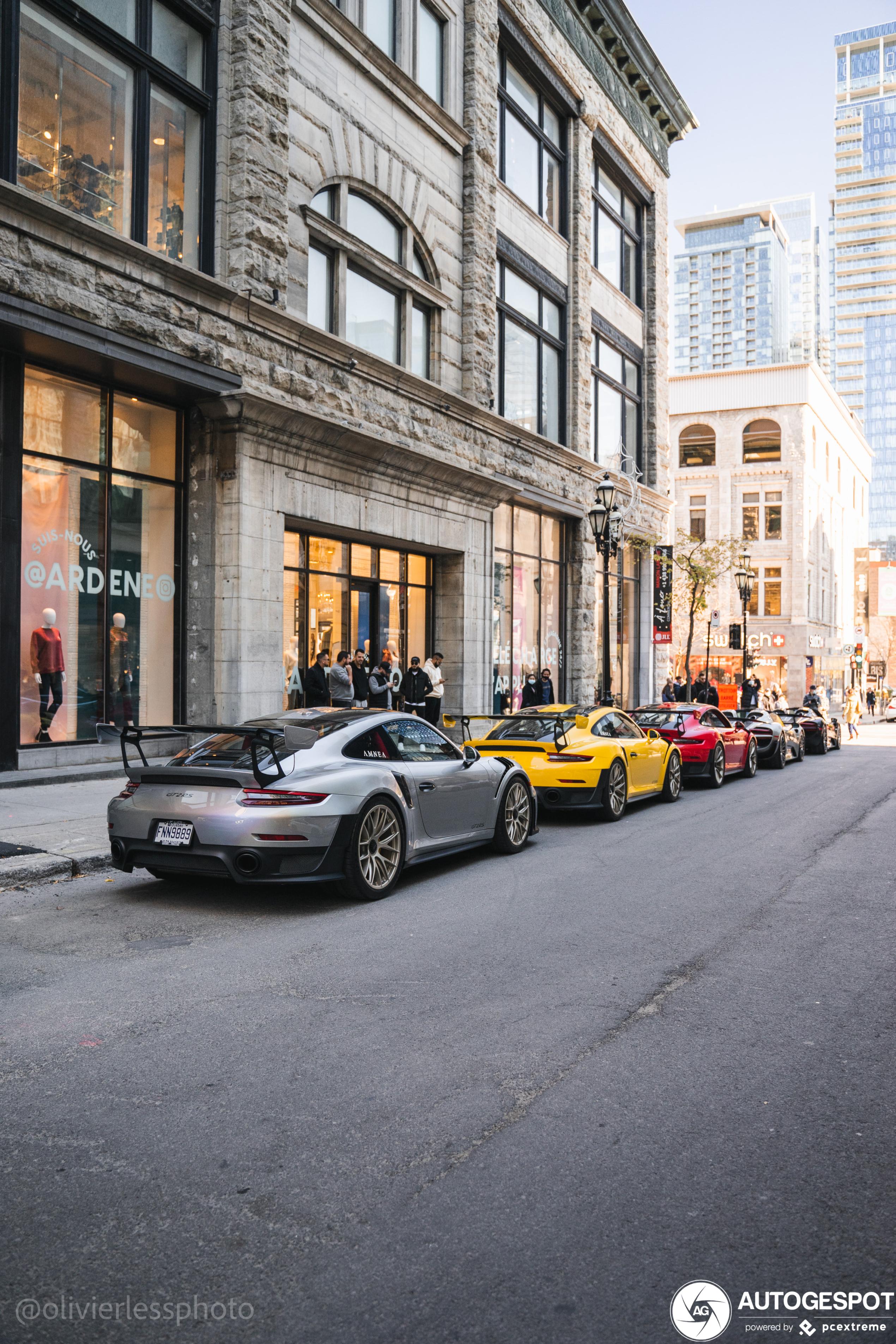 We beginnen de week met een kwintet Porsches
