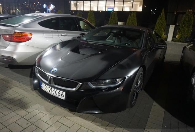 BMW i8 Protonic Frozen Black Edition