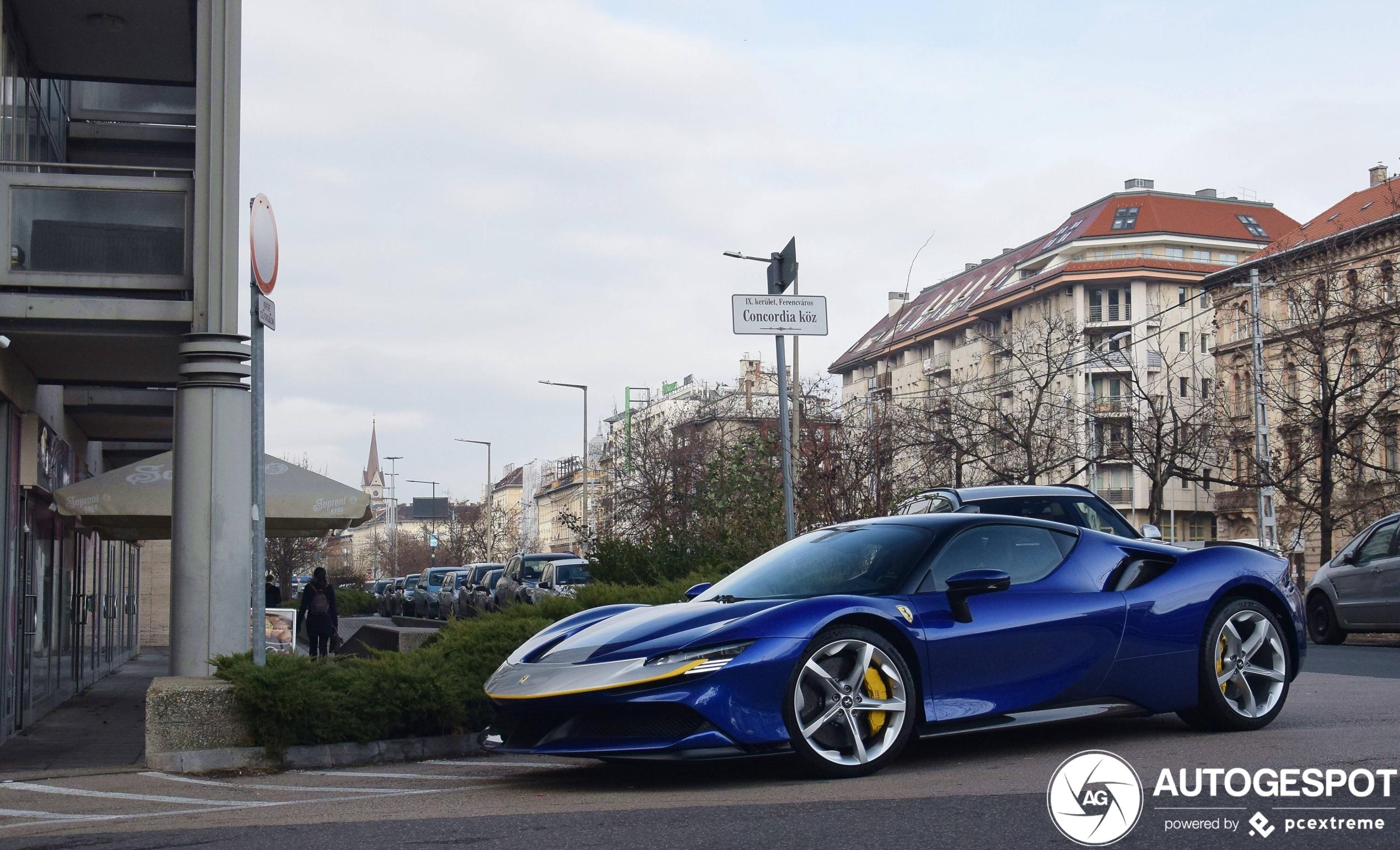 Ferrari SF90 Stradale is pure porno in het blauw