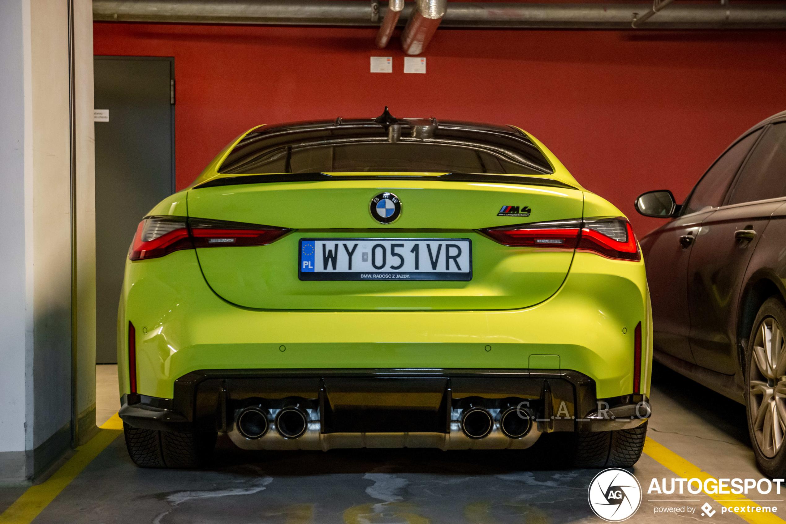 BMW M4 verstopt zijn neusje