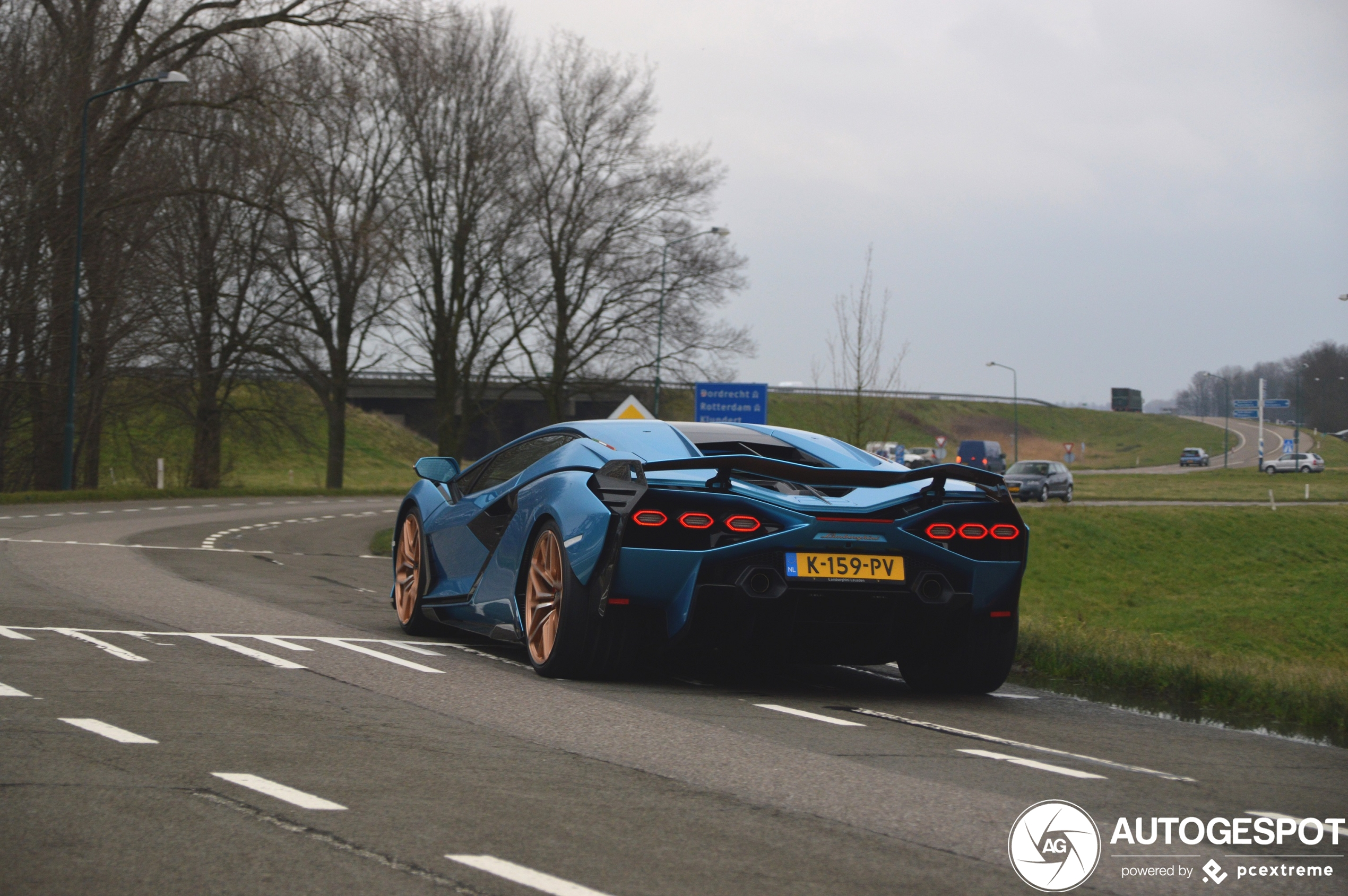 Absurd Lamborghini Sián FKP 37 arrived in the Netherlands