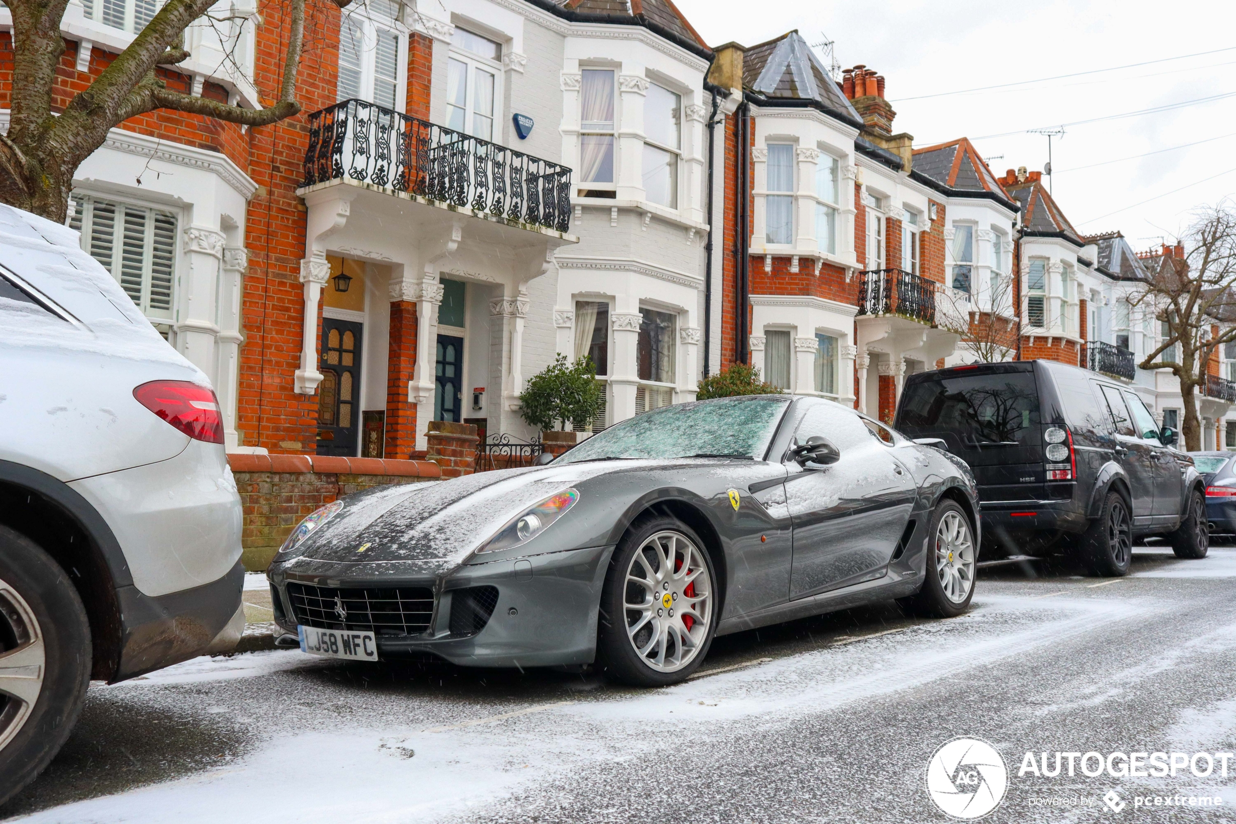 Supercars in Londen staan ook even stil