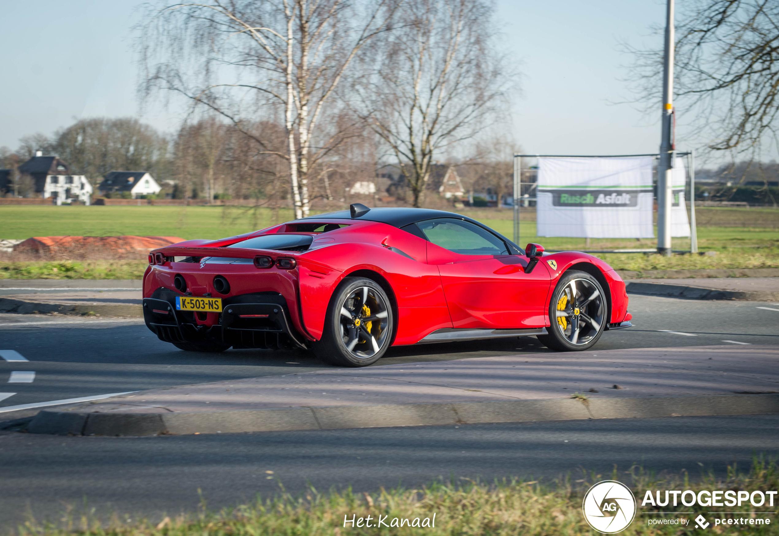 Tweede Ferrari SF90 Stradale van Nederland gespot