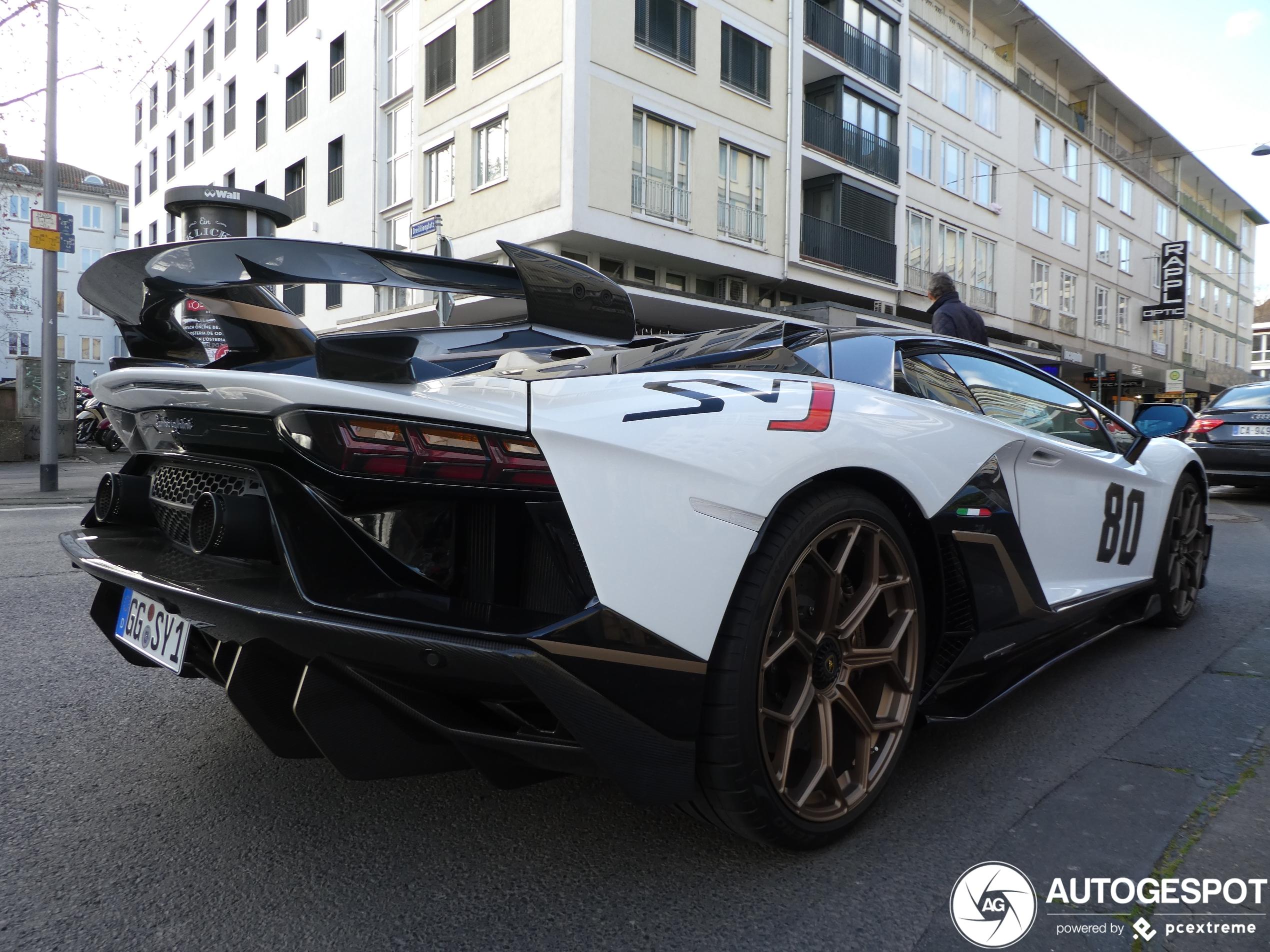 Lamborghini Aventador LP770-4 SVJ blijft niet onopgemerkt