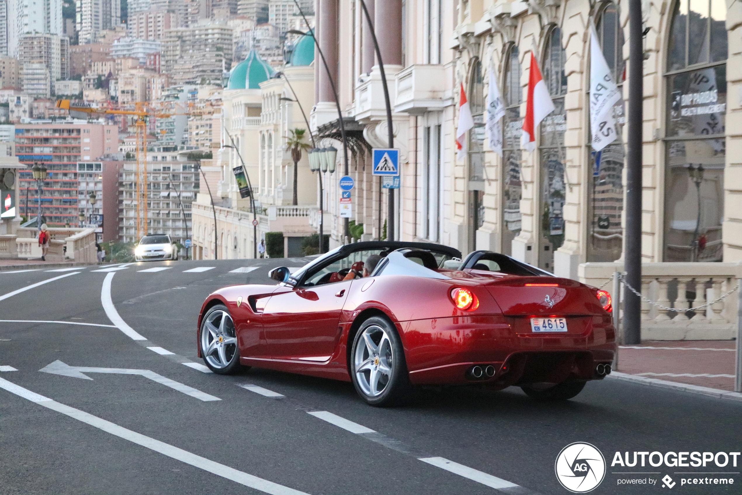 Het leven is een stuk mooier in een Ferrari 599 SA Aperta