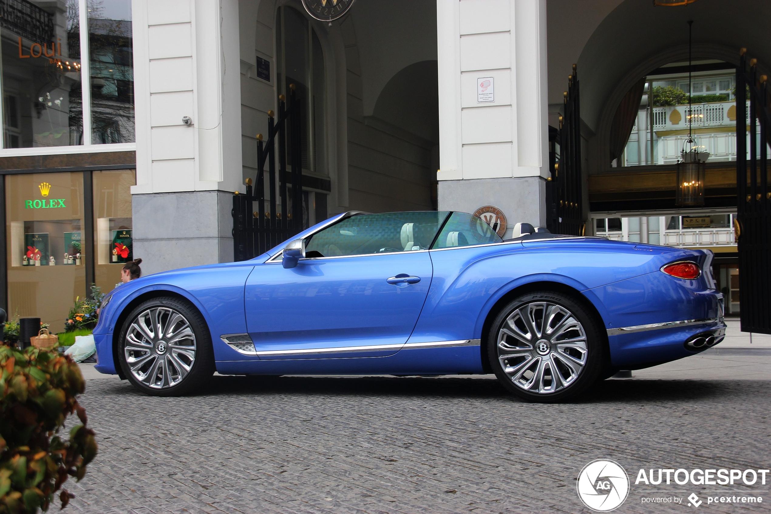 Prachtig debuut: Bentley Continental GTC V8 2020 Mulliner