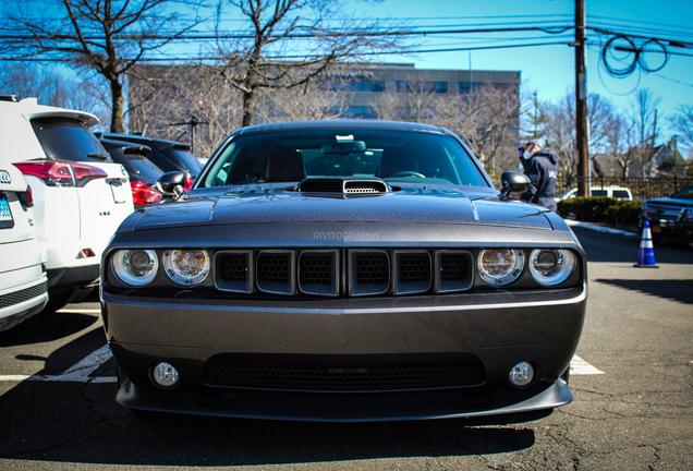 Dodge Challenger SRT-8 392