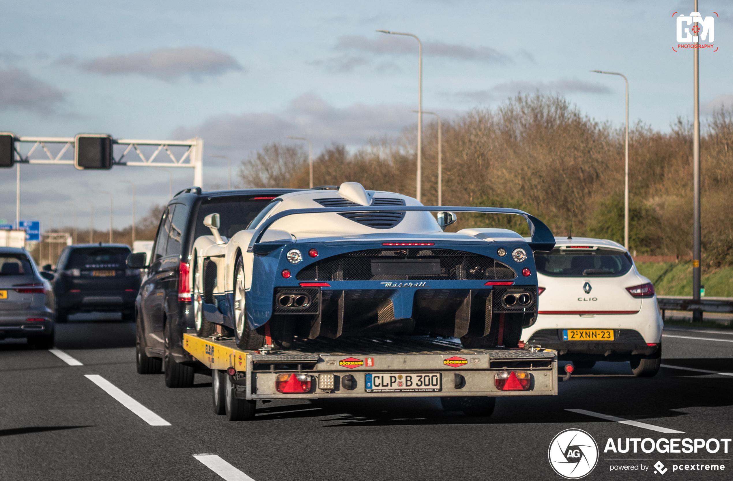 Waar gaat deze Maserati MC12 heen?