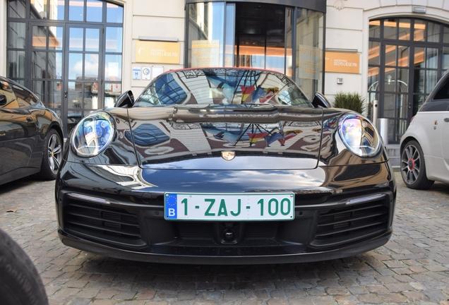 Porsche 992 Carrera 4S Cabriolet