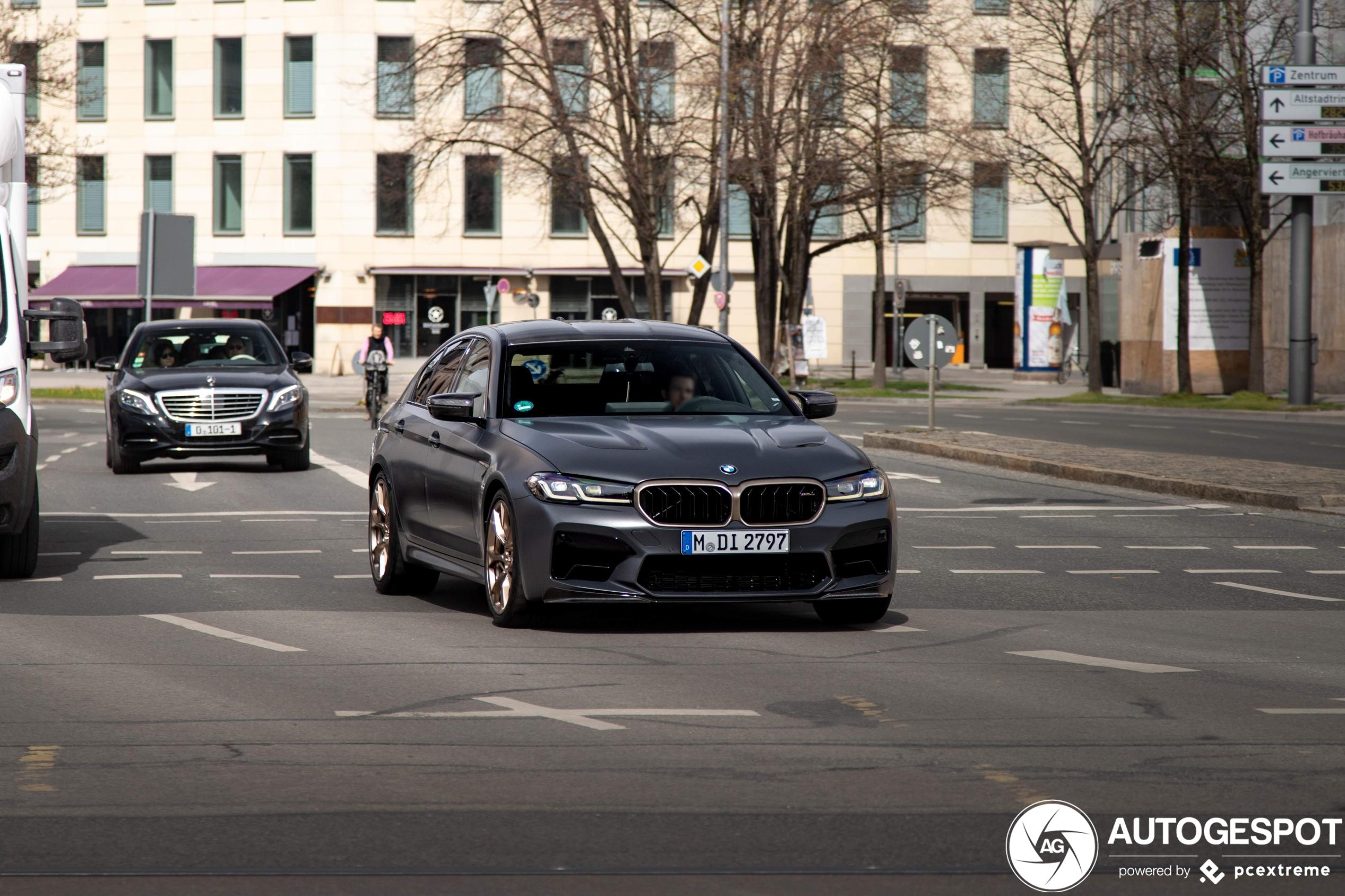 Hardcore BMW M5 CS verschijnt op straat