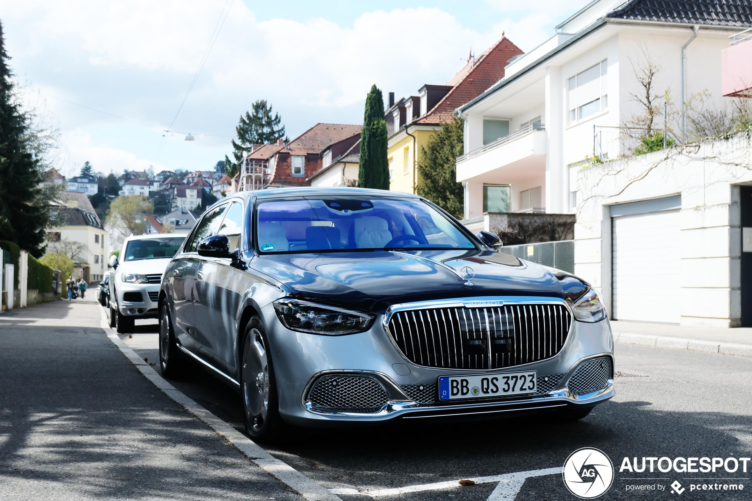 Gespot: Mercedes-Benz S-Klasse met Maybach sausje en V12!