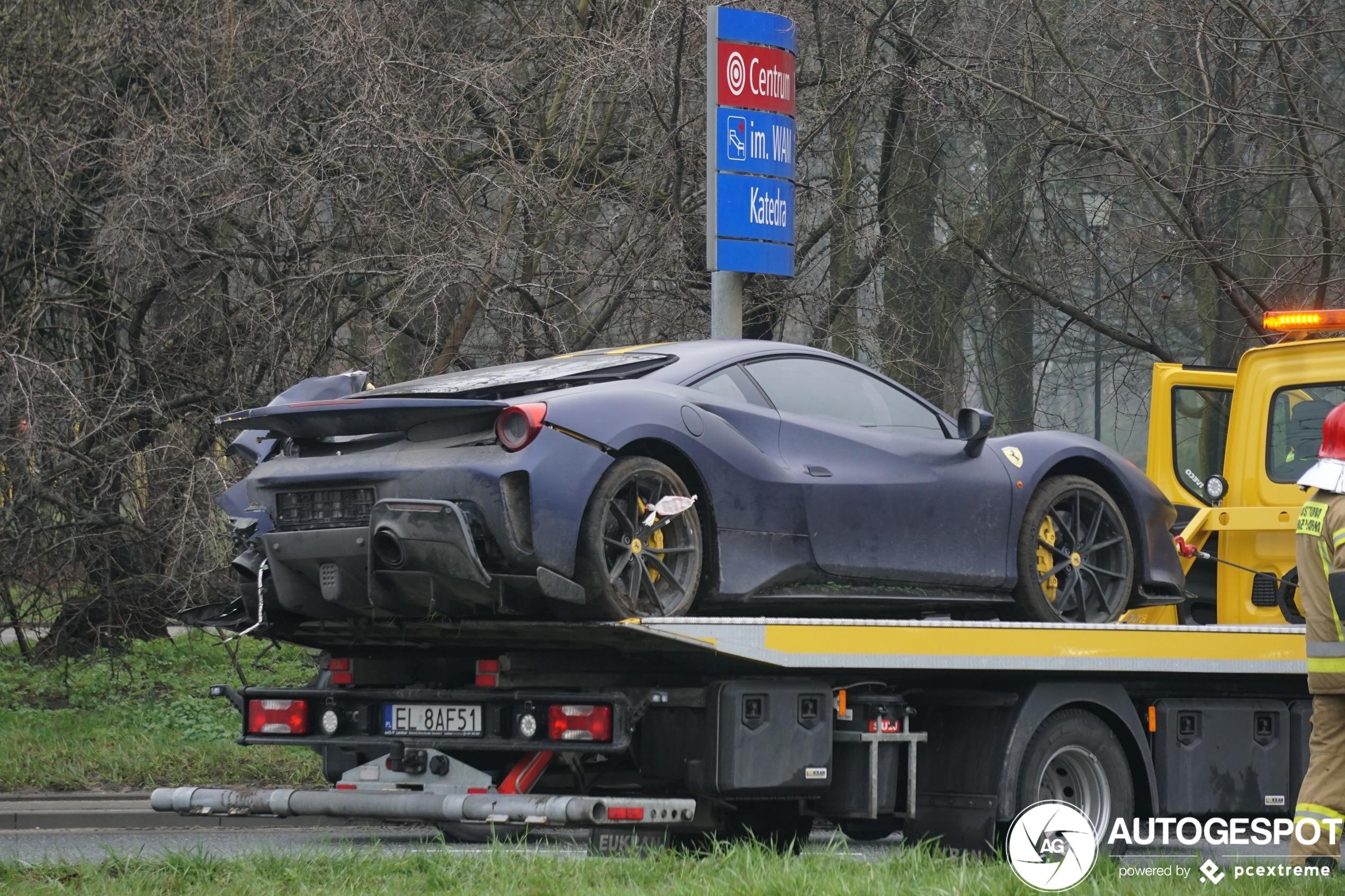 Dronken Ferrari rijden is geen succes