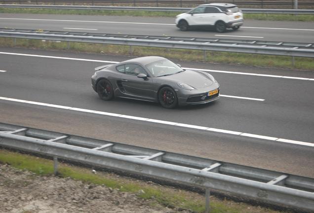 Porsche 718 Cayman GTS