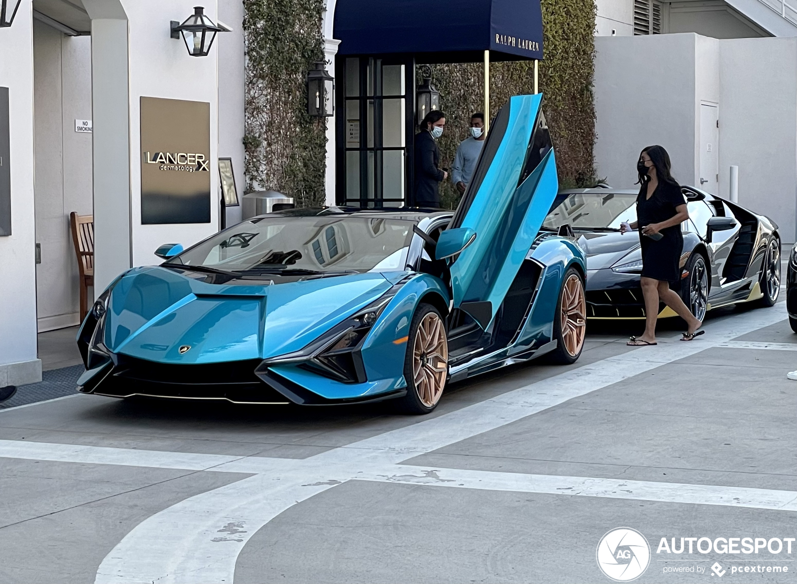 Bizarre combo shows two limited Lamborghinis