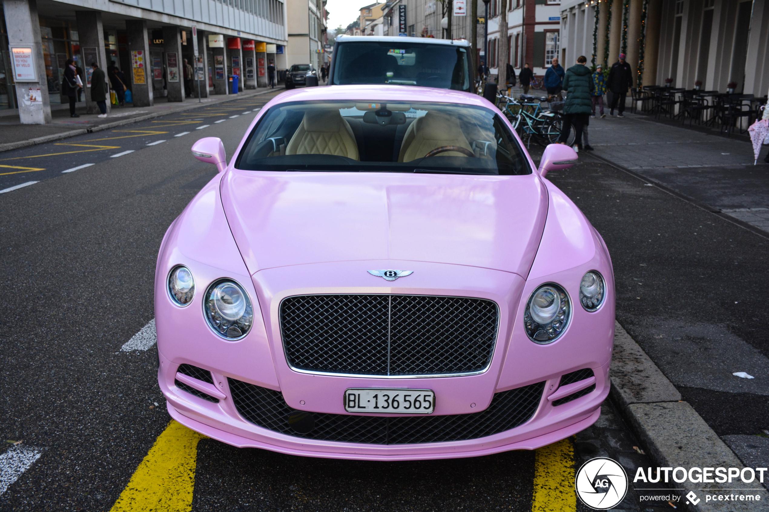 Bentley Continental GT Speed heeft lekker roze jasje