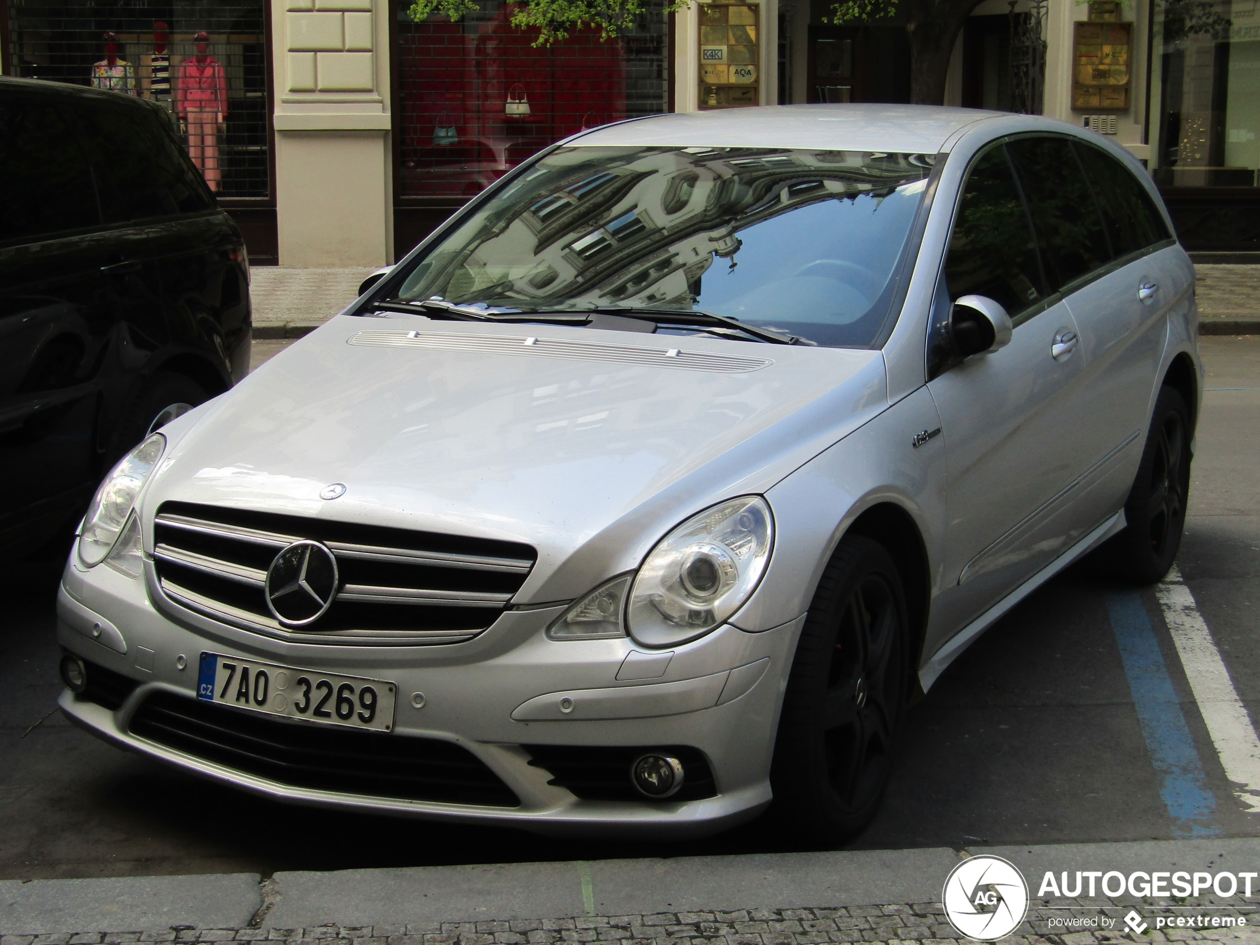 Mercedes-BenzR 63 AMG