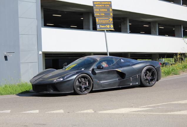 Ferrari LaFerrari 2023 Mule