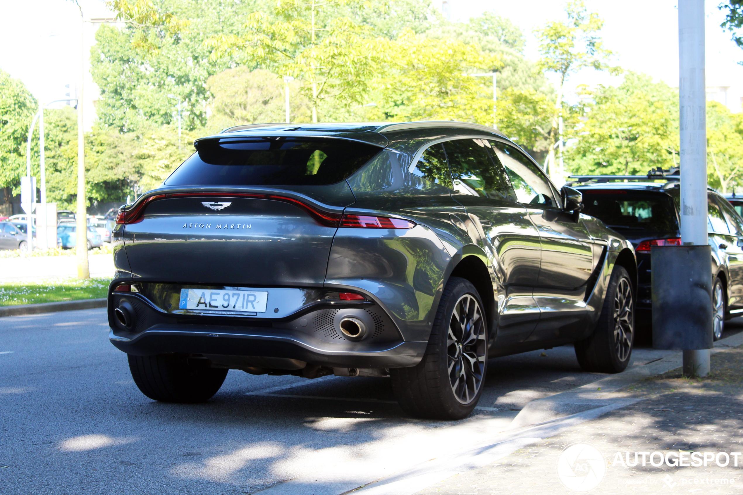 Aston MartinDBX
