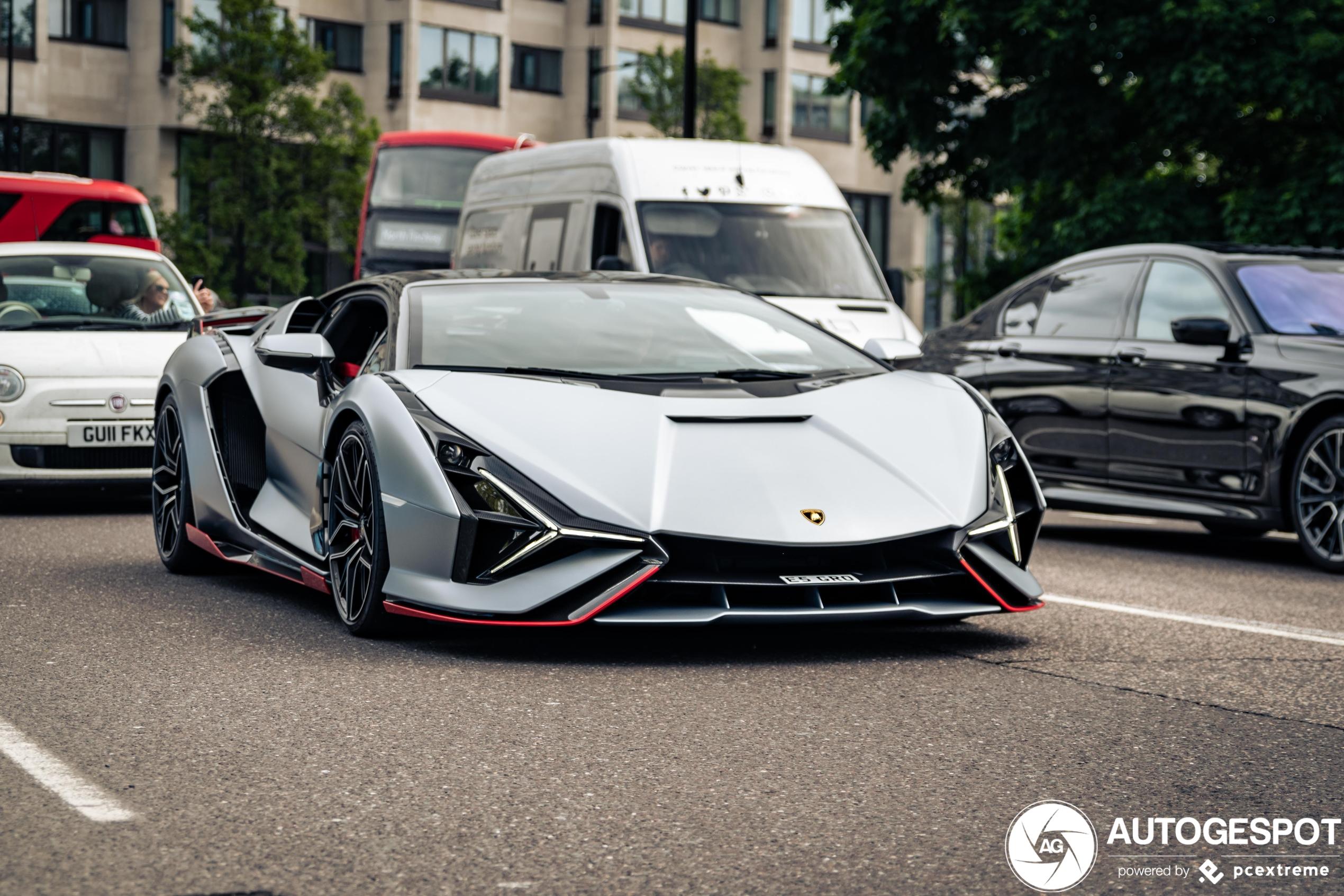 Topspot: Lamborghini Sián FKP 37 surprises London