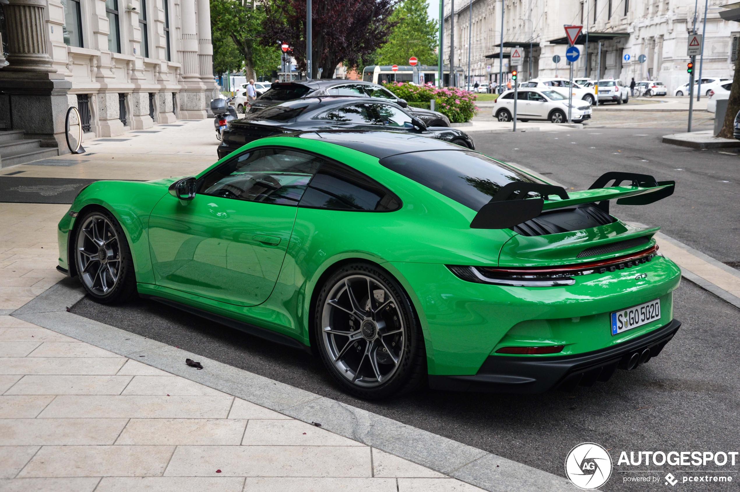 Porsche 992 GT3 hadden we nog niet in het Pythongroen