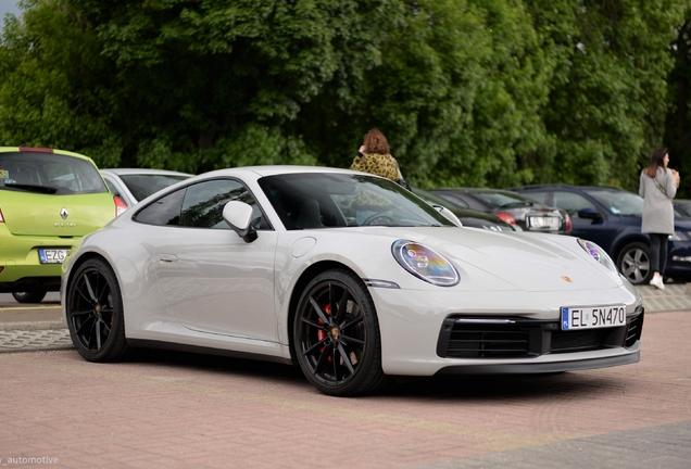 Porsche 992 Carrera 4S