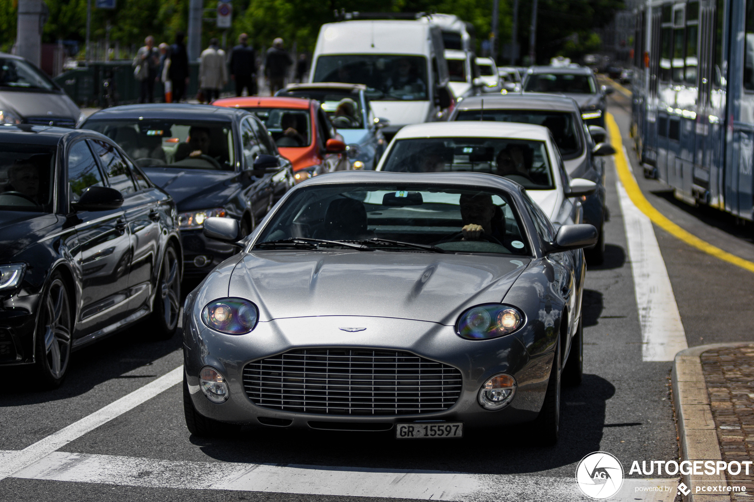 Aston Martin DB7 Zagato mag de benen strekken