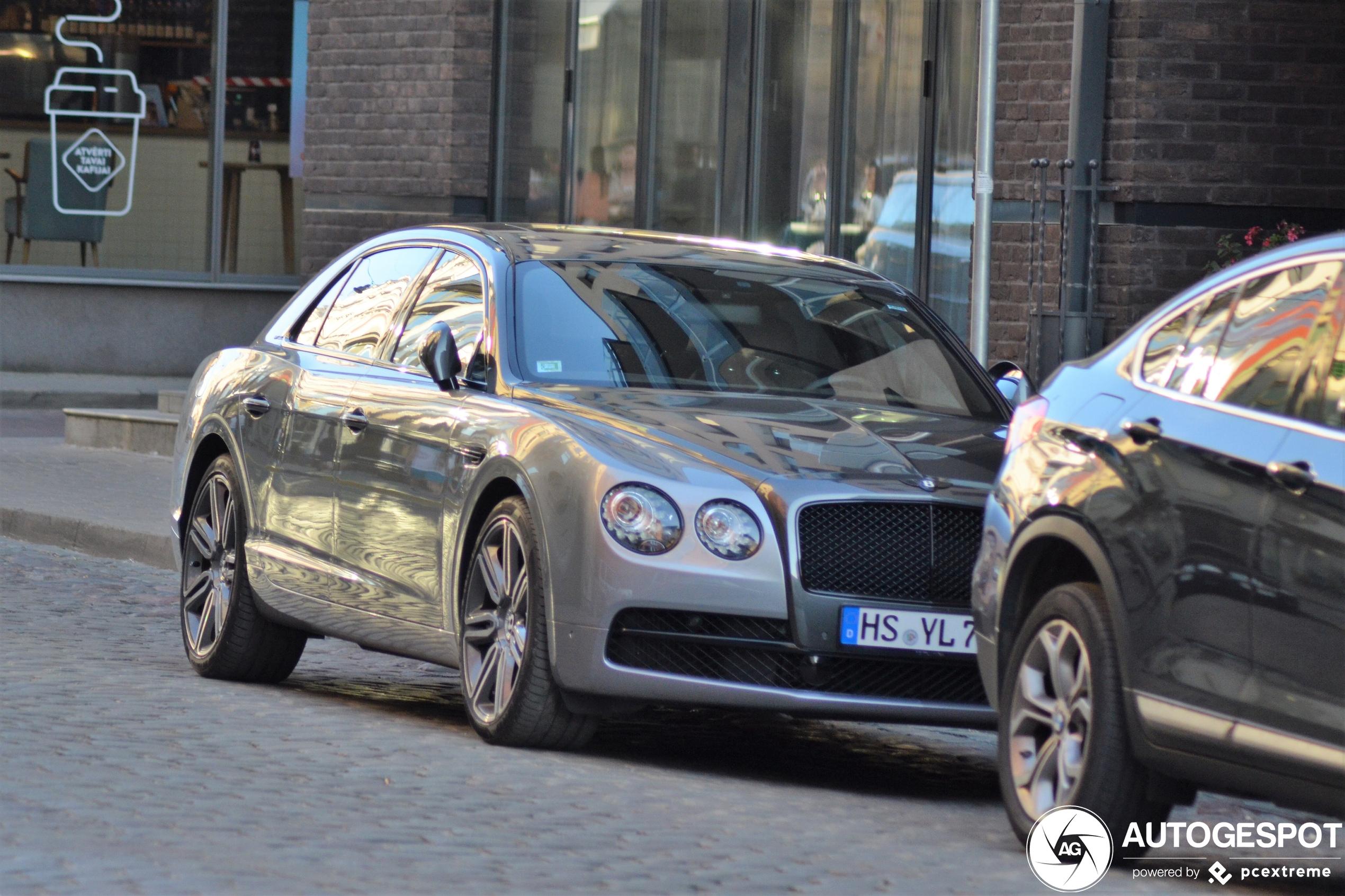 BentleyFlying Spur W12