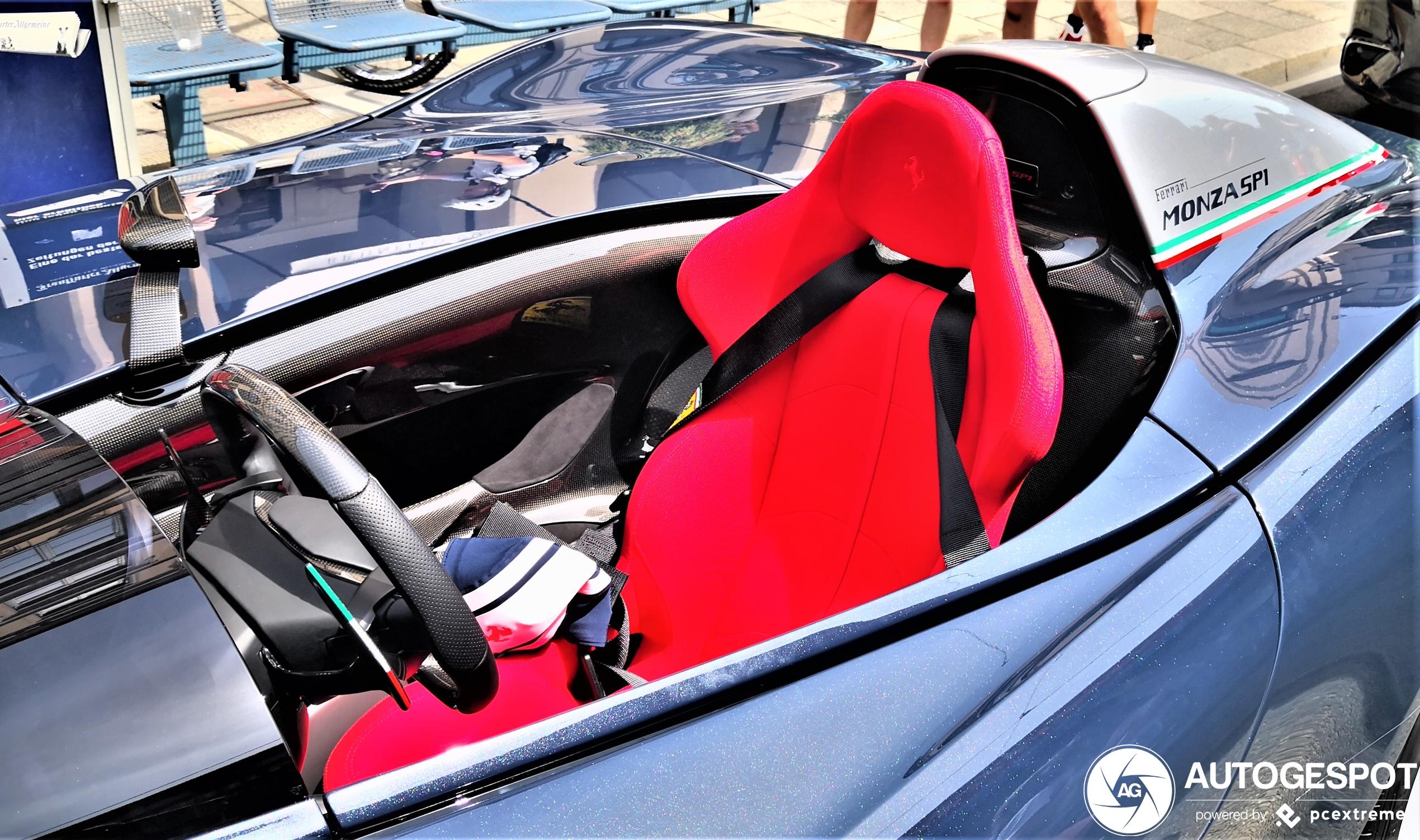 Nooit alleen in de Ferrari Monza SP1