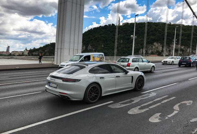 Porsche 971 Panamera GTS