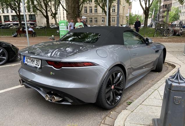 Jaguar F-TYPE R Convertible 2017