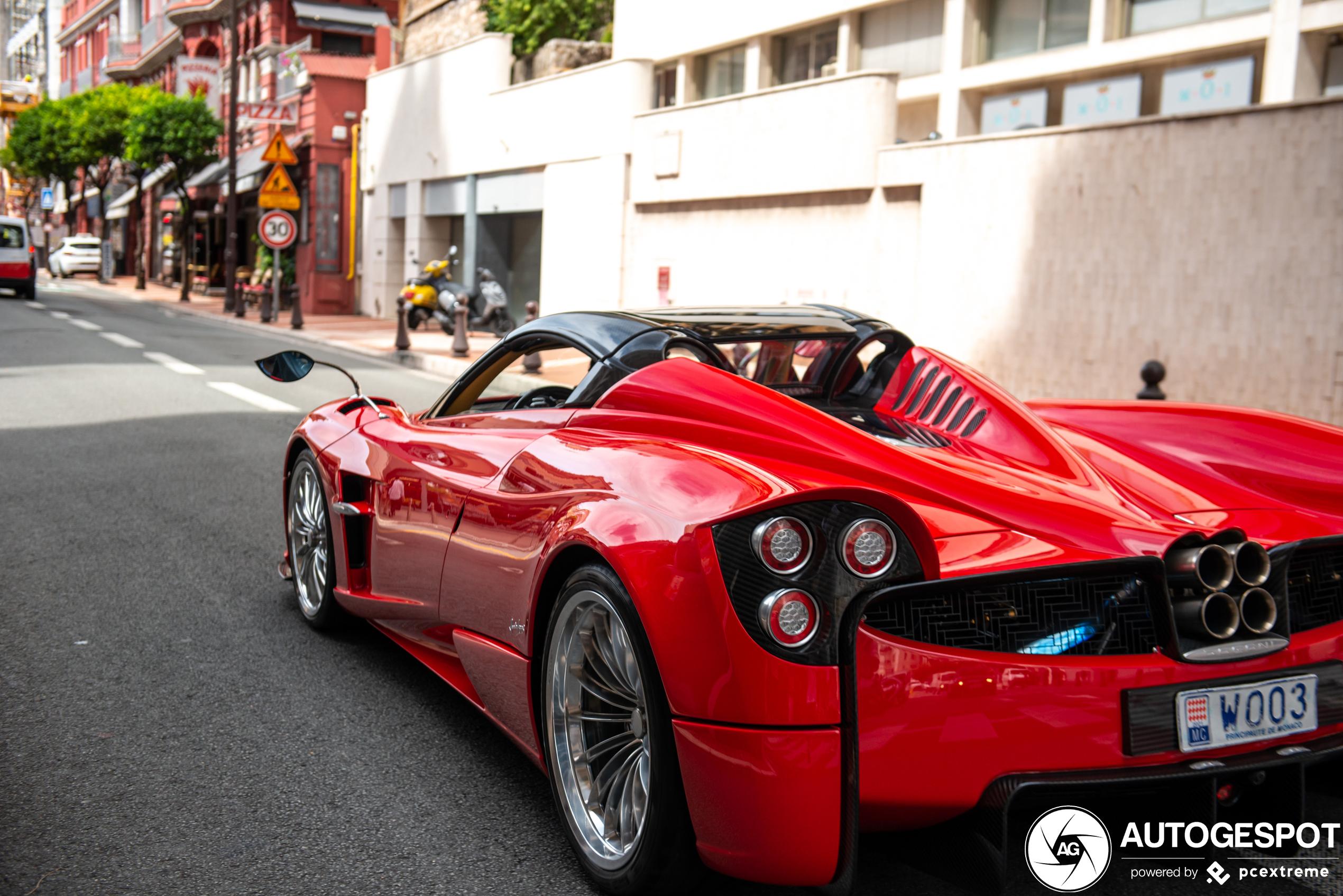 Monaco is alweer op volle sterkte: Pagani Huayra Roadster