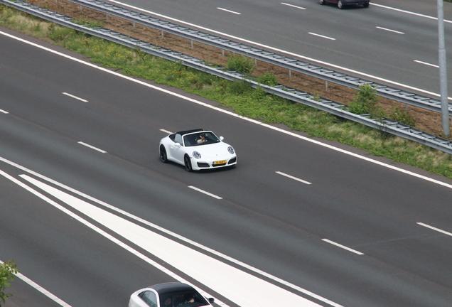 Porsche 991 Carrera 4S Cabriolet MkII