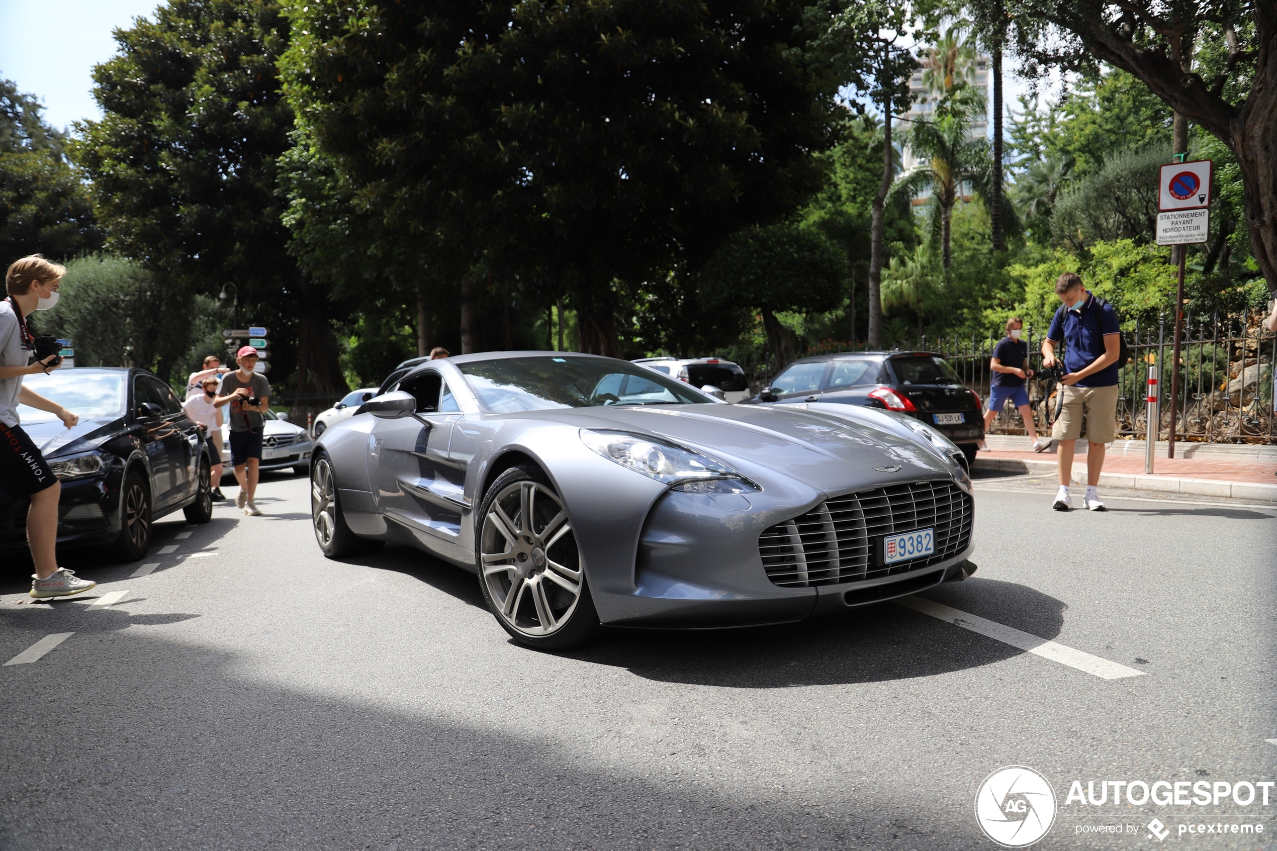 Spotters gaan los op Aston Martin One-77