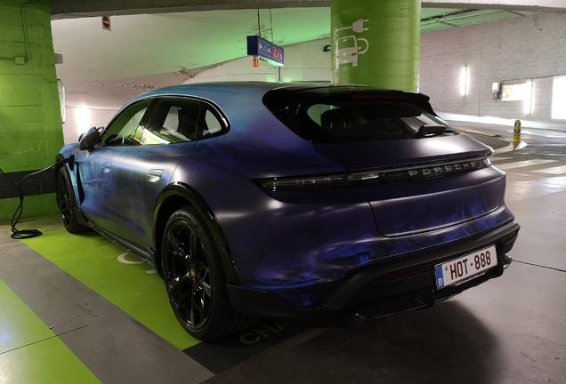 Porsche Taycan Turbo S Cross Turismo