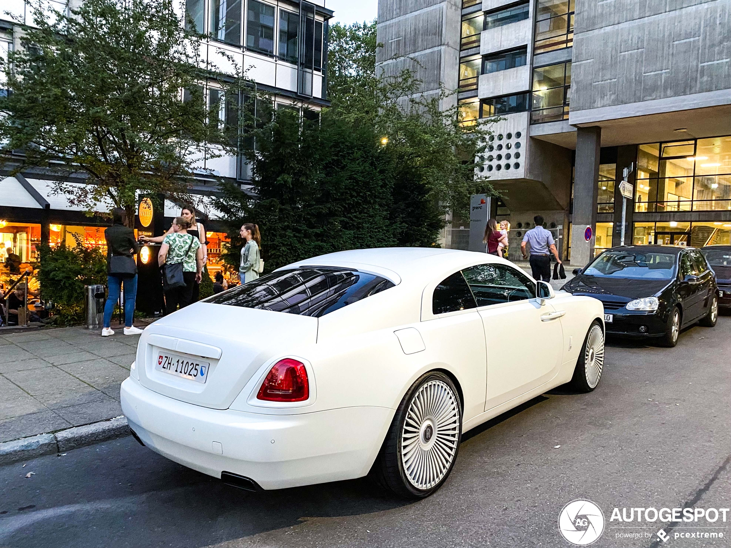 Rolls-Royce Wraith is volledig wit uitgevoerd