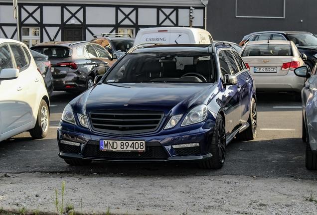 Mercedes-Benz Brabus E B63S Biturbo S212
