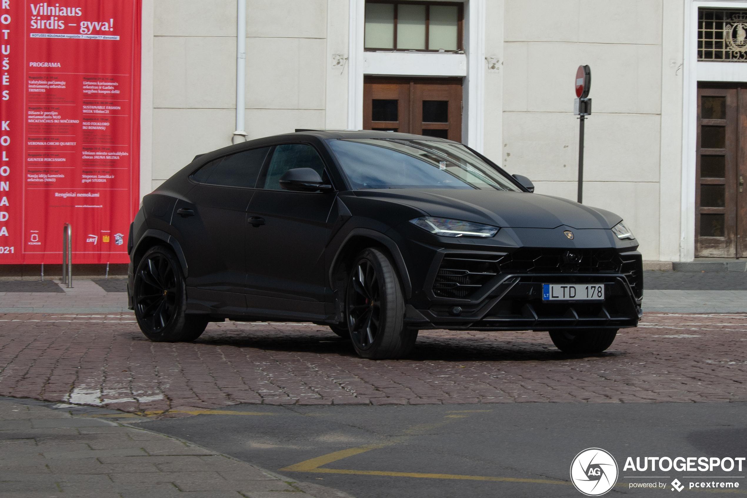 LamborghiniUrus Topcar Design