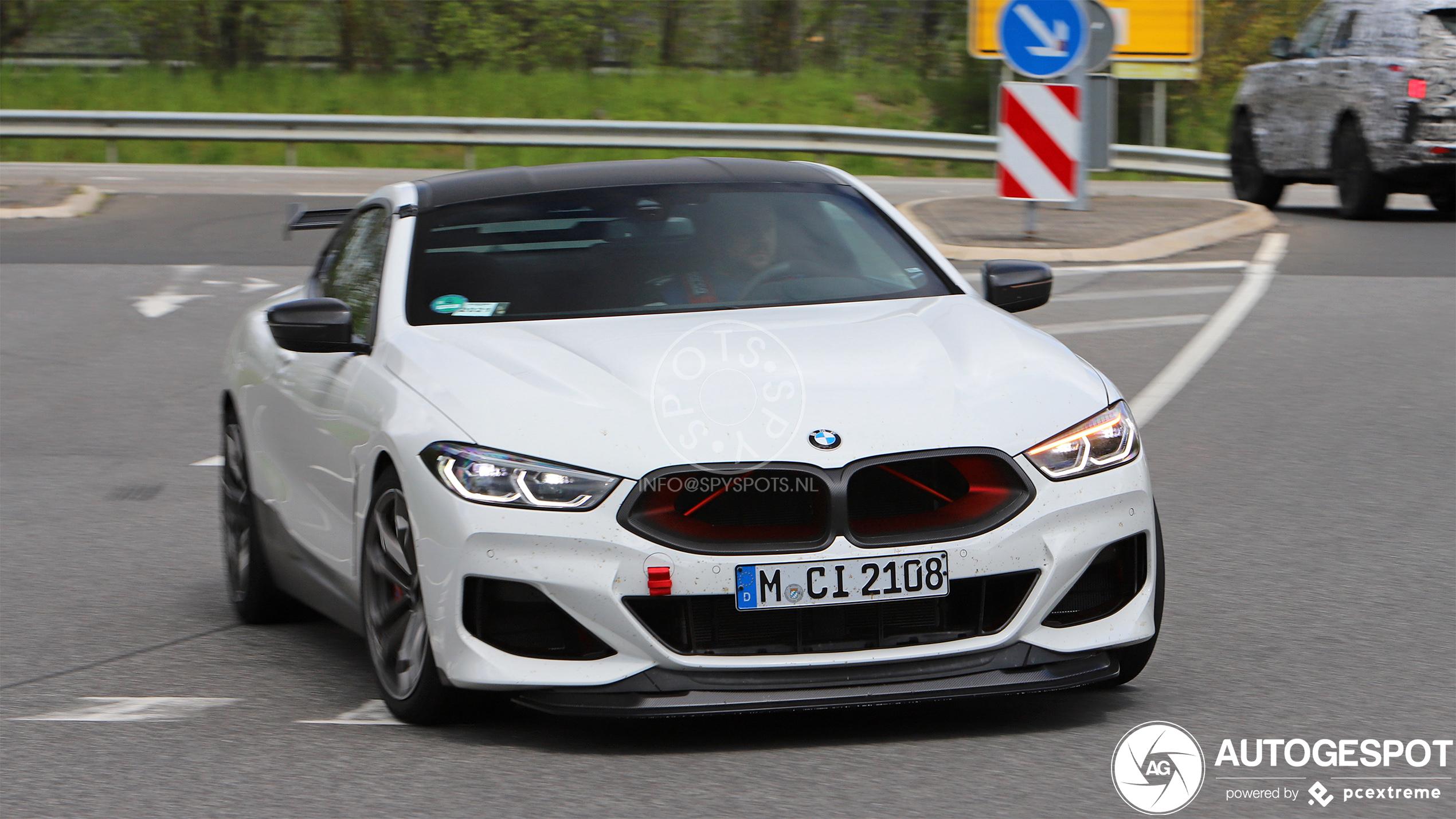 Wat voert BMW toch in haar schild met deze M8?