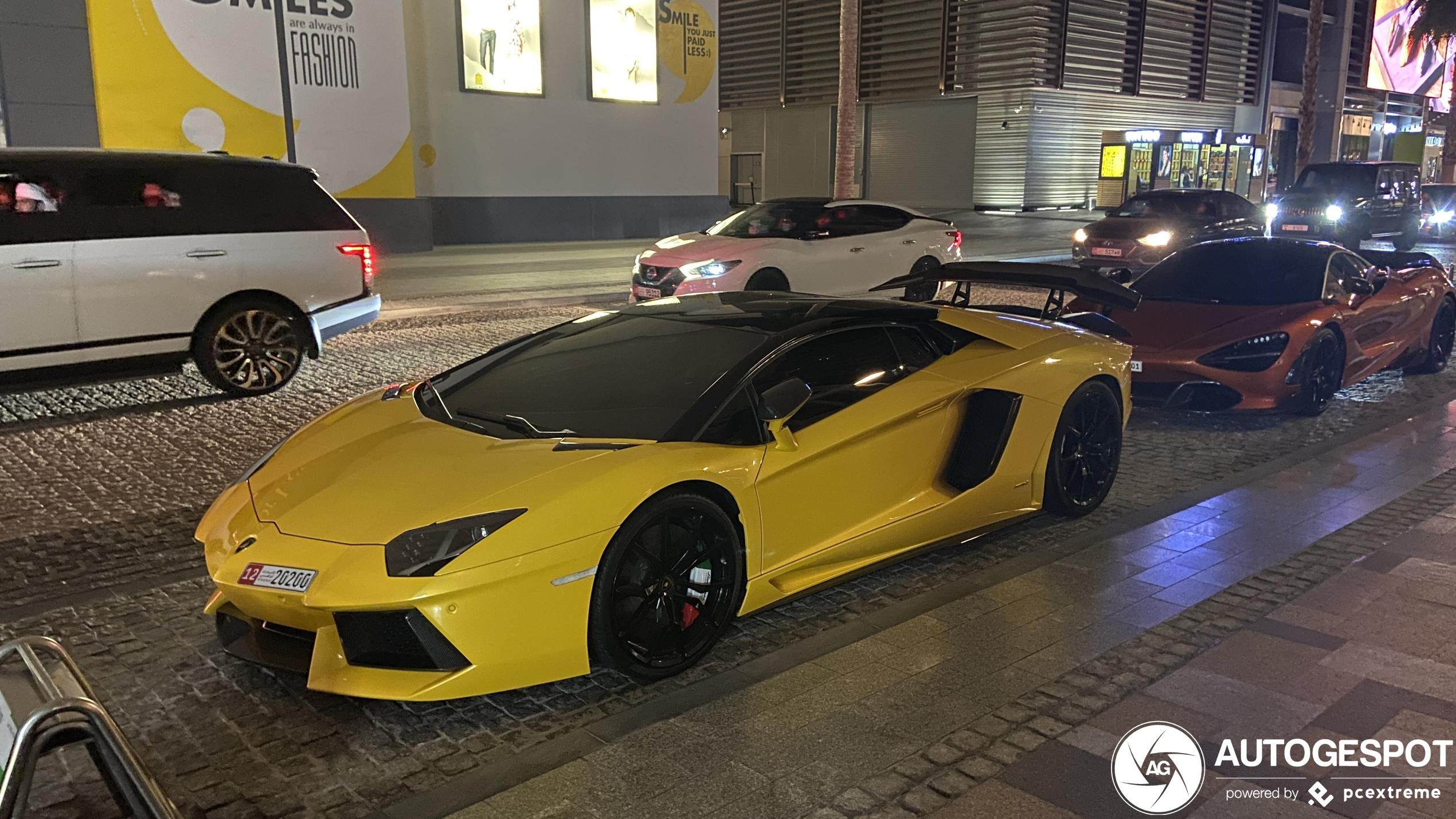 LamborghiniAventador LP700-4