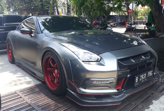 Nissan GT-R Varis Kamikaze-R